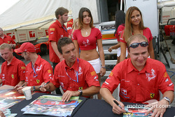 Autograph session: Peter Kox and Tomas Enge