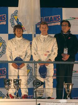 Podium P900: winners Seiji Ara, Tom Kristensen and team owner Kazumichi Goh