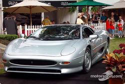 1993 Jaguar XJ-220