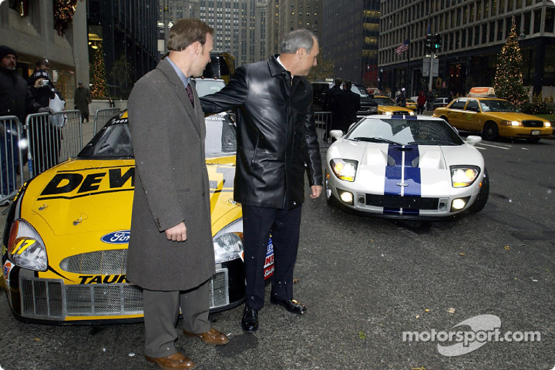 Dan Davis Suprises Matt Kenseth By Presenting Him With A Ford Gt For Winning The Winston Cup Championship