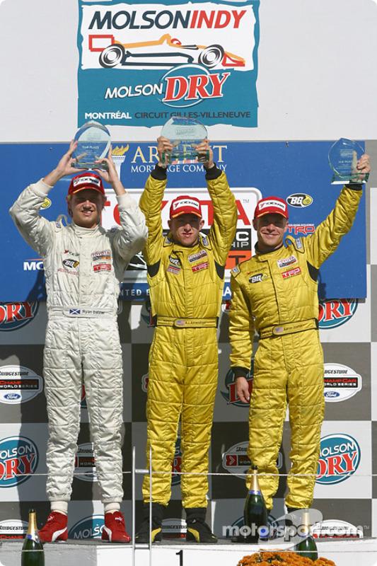 Podium : A.J. Allmendinger, vainqueur, avec Ryan Dalziel et Aaron Justus