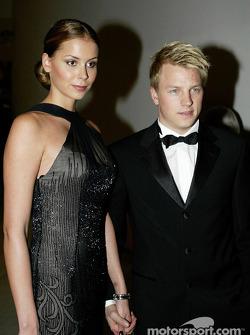 Кими Райкконен со своей девушкой