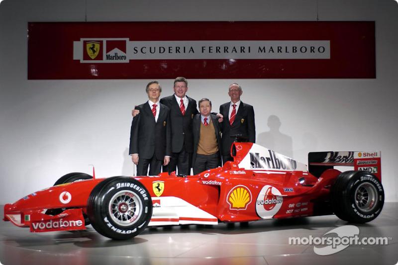 Paolo Martinelli, Ross Brawn, Jean Todt ve Rory Byrne ve yeni Ferrari F2004