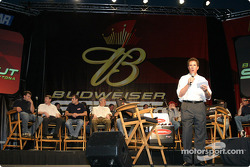 Darrell Waltrip presents the 19 drivers of the Budweiser Shootout