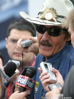 Petty Enterprises press conference: Richard Petty, always popular with media