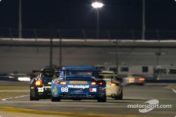 #68 The Racers Group Porsche GT3 RS: Ian James, RJ Valentine, Chris Gleason, Abraham Zimroth, Bohdan Kroczek