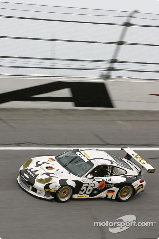 La Porsche GT3 RS n°56 du Seikel Motor Sport (Tony Burgess, Philip Collin, P van Merksteijn, Gabrio Rosa, Fabio Rosa)