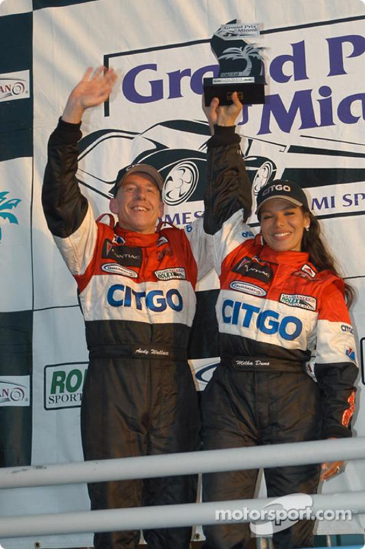 Podium Daytona Prototype : les vainqueurs Andy Wallace et Milka Duno