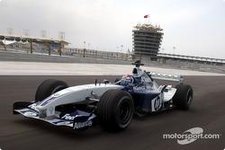 Marc Gene drives the Williams BMW around the Bahrain International Circuit