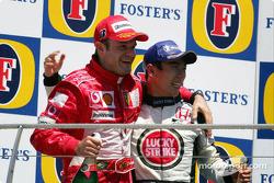 Podio: segundo lugar Rubens Barrichello y tercer lugar Takuma Sato