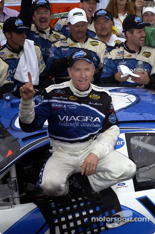 Le vainqueur Mark Martin