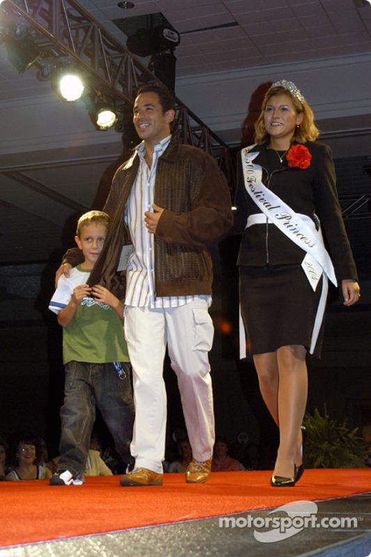 Luke De Ferran, Helio Castroneves and 500 Festival Queen Jennifer McConnell