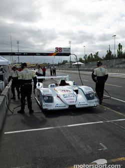 L'équipe Champion Racing s'entraine aux arrêts aux stands