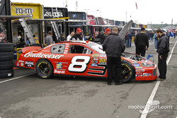 Preparation on Dale Earnhardt Jr.'s car