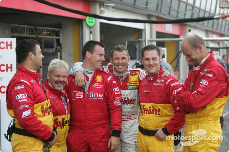 Tom Kristensen and his crew