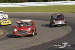 Morris Cooper-S 1967 leads the group 1 pack