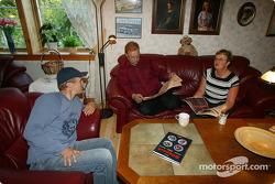 Mattias Ekström mit seinen Eltern Bengt und Agneta