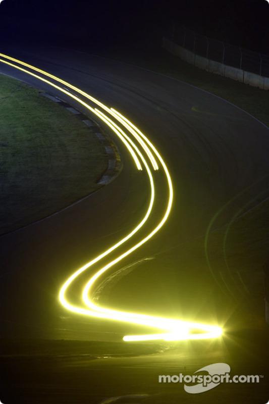 Incroyable jeu de lumières à Road Atlanta