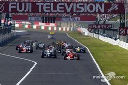 Start: Michael Schumacher takes the lead ahead of Ralf Schumacher