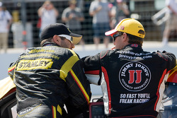 Elliott Sadler, Richard Petty Motorsports Ford et Kevin Harvick, Richard Childress Racing Chevrolet