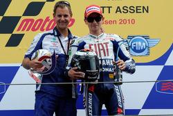 Podio: il vincitore Jorge Lorenzo, Fiat Yamaha Team con Wilco Zeelenberg