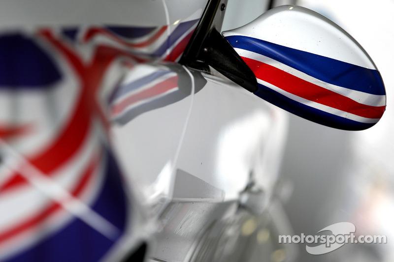 De wagen van Andy Priaulx, BMW Team RBM, BMW 320si