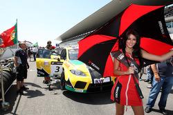 Grid girl for Tiago Monteiro, SR - Sport, Seat Leon 2.0 TDI