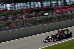 Sebastian Vettel, Red Bull Racing in front of the new pit building