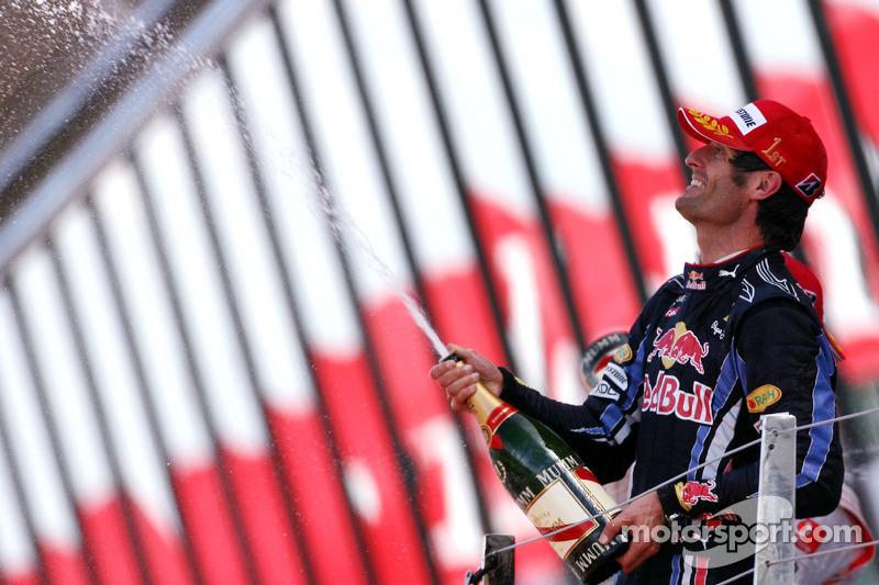 Podium: race winnaar Mark Webber, Red Bull Racing