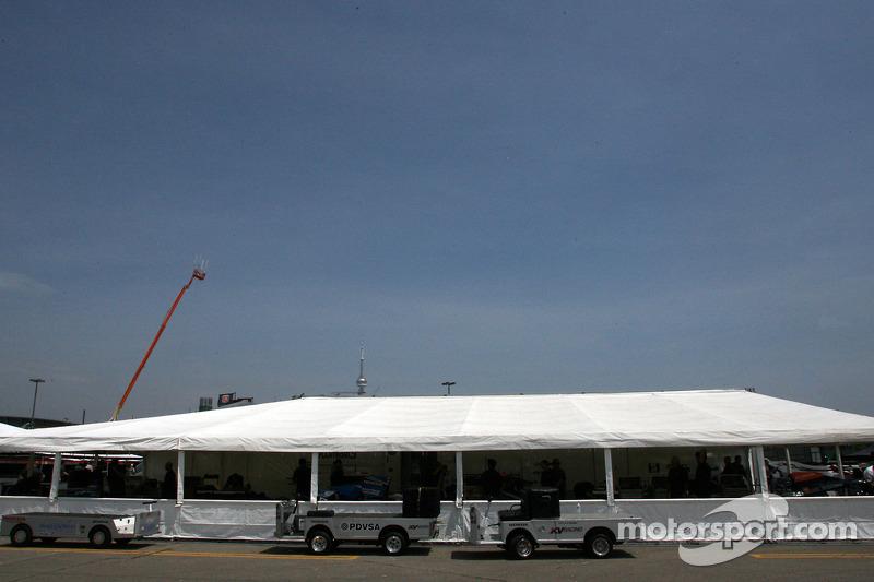 KV Racing Technology paddockgebied
