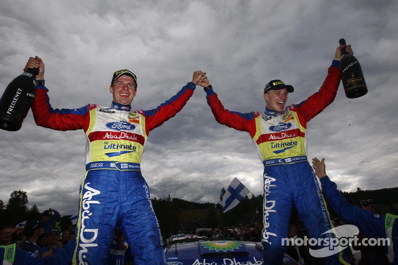 Rally winnaars Jari-Matti Latvala en Miikka Anttila