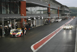 Start of the qualifying session, under wet conditions
