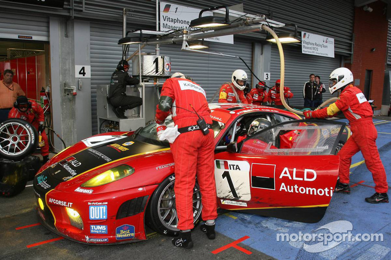 Pitstop #1 AF Corse - ALD Team Vitaphone Ferrari F430 GT2: Michael Waltrip, Nicola Cadei, Robert Kau