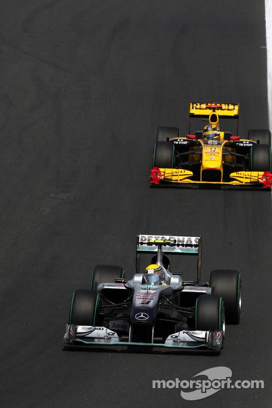 Nico Rosberg, Mercedes GP voor Robert Kubica, Renault F1 Team