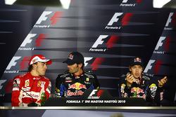Persconferentie: winnaar Mark Webber, Red Bull Racing, 2de Fernando Alonso, Scuderia Ferrari, 3de Sebastian Vettel, Red Bull Racing