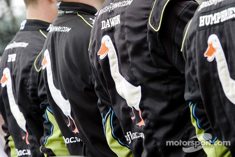 Crew van Carl Edwards, Roush Fenway Racing Ford tijdens het volkslied