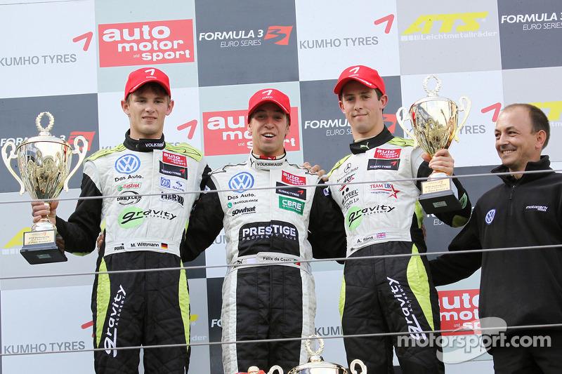 Podium: winnaar Antonio Felix da Costa, Motopark Academy Dallara F308 Volkswagen, 2de Marco Wittmann, Signature Dallara F308 Volkswagen,  3de Alexander Sims, ART Grand Prix Dallara F308 Mercedes