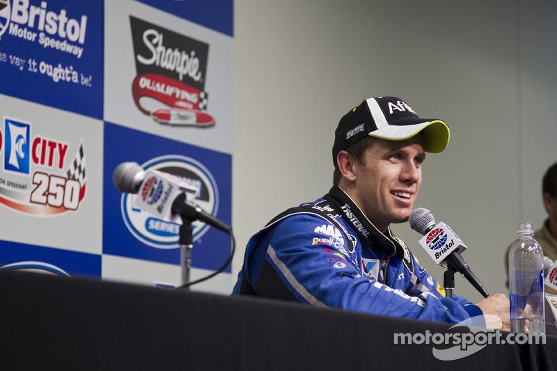 Carl Edwards, Roush Fenway Racing Ford spreekt met de media