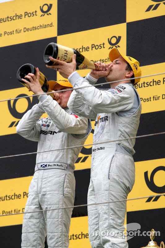 Podium: race winnaar Gary Paffett, Team HWA AMG Mercedes C-Klasse, 2de Paul di Resta, Team HWA AMG M