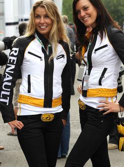 Charmantes grid girls Renault