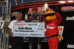 Justin Wilson, Dreyer & Reinbold Racing accepts an award