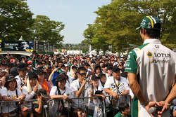 Takuma Sato, KV Racing Technology meets his fans