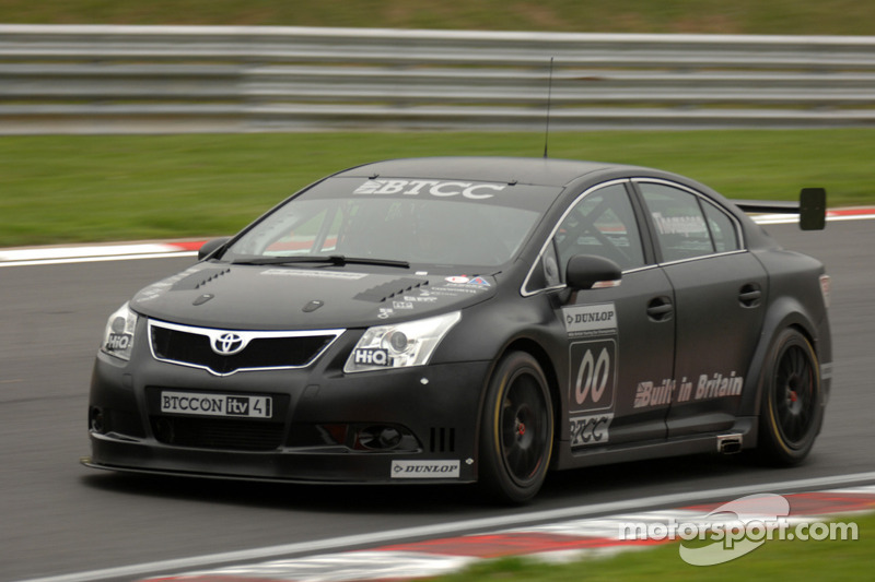 James Thompson in the all new NGTC Toyota Avensis