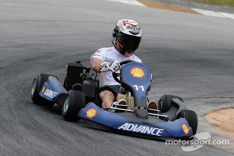 Pre-event go-kart: Marco Melandri, San Carlo Honda Gresini