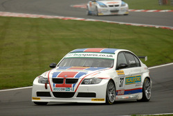 Arthur Forster rijdt voor Rob Collard