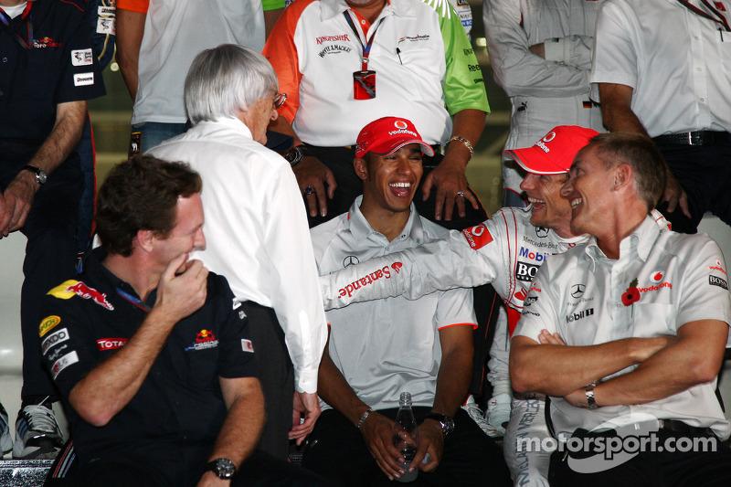 Bernie Ecclestone, Lewis Hamilton, McLaren Mercedes, Jenson Button, McLaren Mercedes