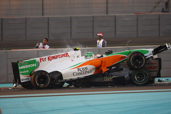 Витантонио Льюцци, Force India F1 Team, и Михаэль Шумахер, Mercedes GP