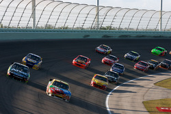 Carl Edwards, Roush Fenway Racing Ford and Kyle Busch, Joe Gibbs Racing Toyota battle for the lead