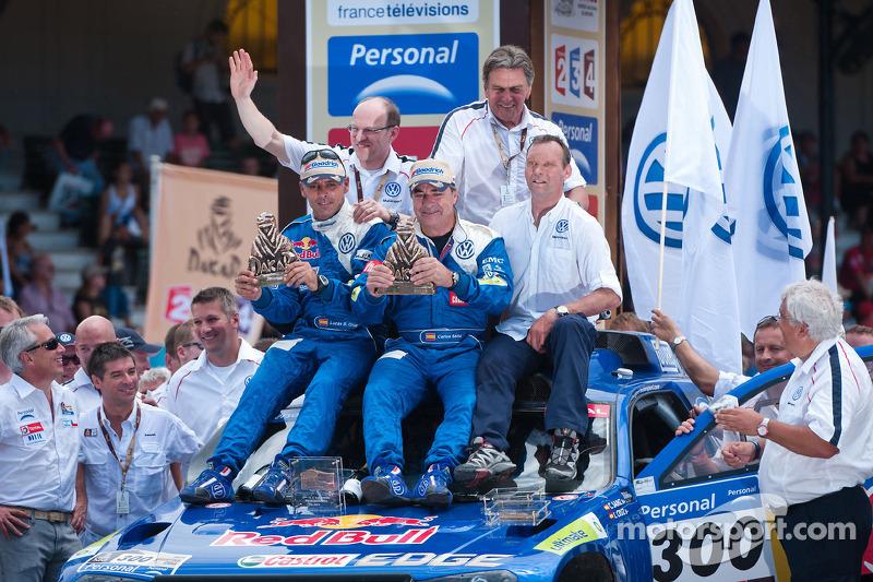 Podio: terceros en la categoría de coches, Carlos Sainz y Lucas Cruz Senra