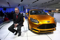 Alan Mulally President and Chief Executive Officier Ford Motor Company with the Ford Focus ST